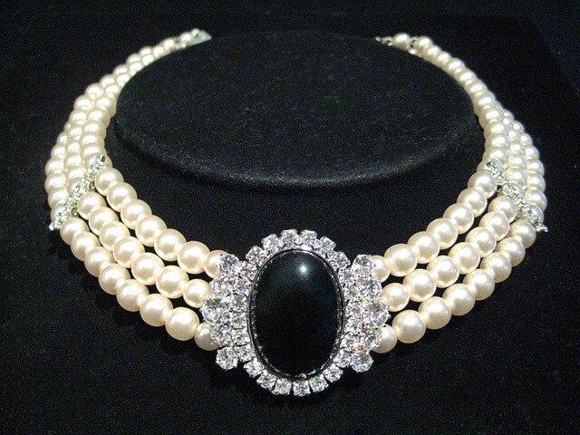 Echtes Perlencollier